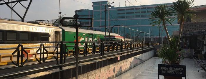 Stasiun Surabaya Pasar Turi is one of Surabaya train station.