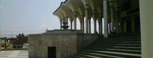 Masjid Agung Kediri is one of Best places in Kediri, Indonesia.