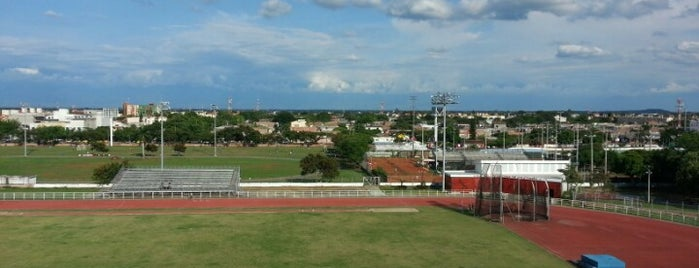 Canchas Panamericanas is one of Lista jhoncito.