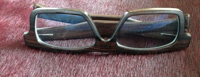 Morgenthal Frederics is one of best eyeglass stores for four eyed fun.