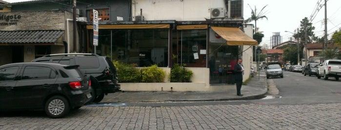 Kape Karaoke Bar is one of No Visa, vale?.