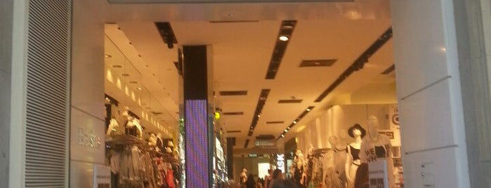 Bershka is one of Lista Cris B..
