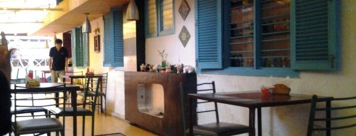 Bistro Claytopia is one of Cafés.