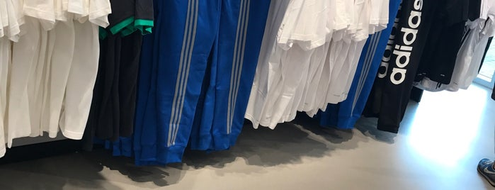 adidas Outlet is one of All-time favorites in Germany.