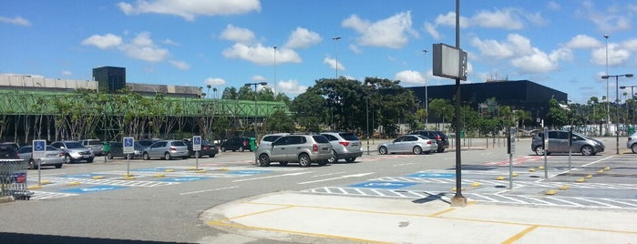 Estacionamento is one of Aeroporto de Guarulhos (GRU Airport).