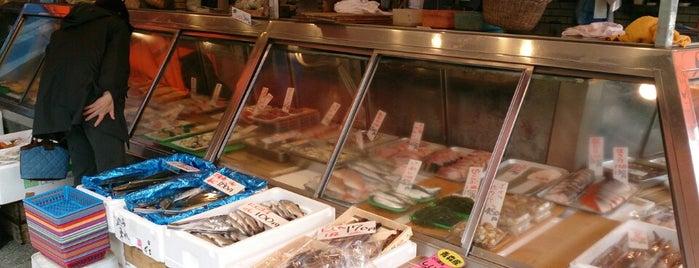 中定鮮魚店 is one of mayor.
