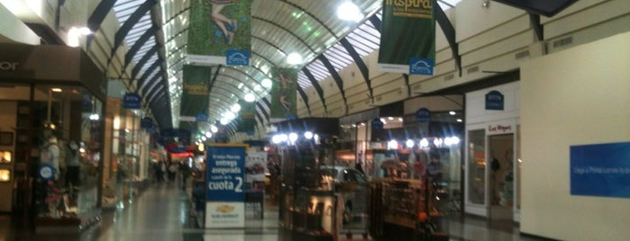 Portal Lomas Shopping is one of 20 favorite restaurants.
