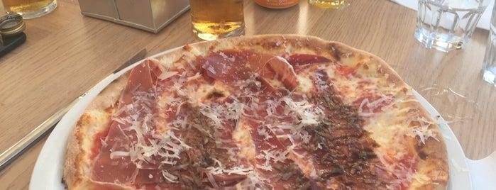 Luna Rossa is one of Pizzeria / Italiano.