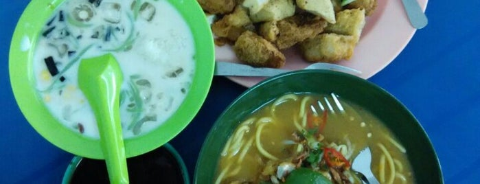Warung Rojak Tempe & Cend is one of Yumsie places <3.