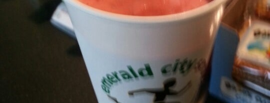 Emerald City Smoothie is one of Bellevue.