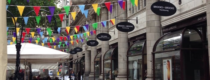 Sicilian Avenue is one of Around The World: London.