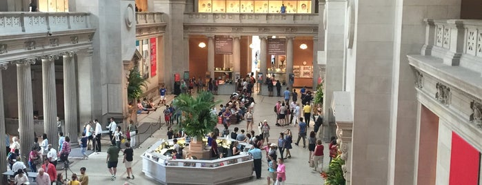 The Metropolitan Museum of Art is one of #BabysFirstTime: NYC Edition.