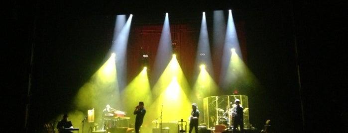 L'Olympia is one of Top salles de concert.