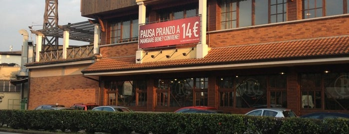 Roadhouse Grill is one of Food in Varese.