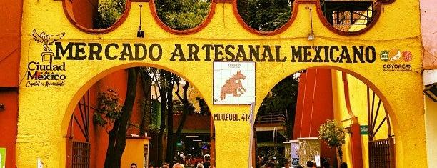 Mercado de Artesanías is one of Lugares.