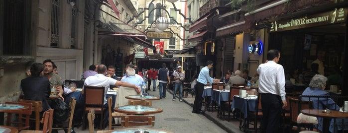 Akdeniz Cafe & Bar is one of Gidilen & Beğenilen.