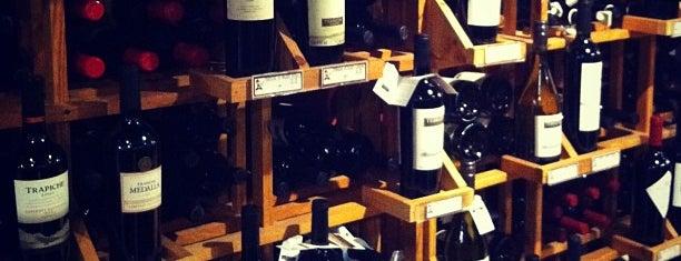 Felipe Motta Wine Store & Deli Marbella is one of Panama.
