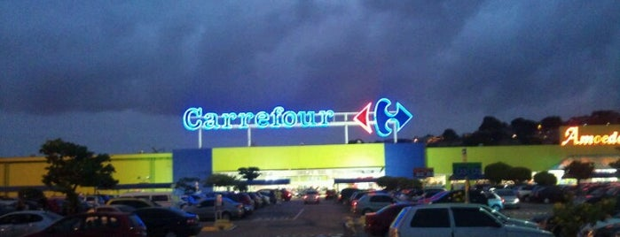 Carrefour is one of Caxias.