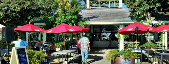 Queen's Surf Cafe And Lanai is one of Honolulu Breakfast Spots.