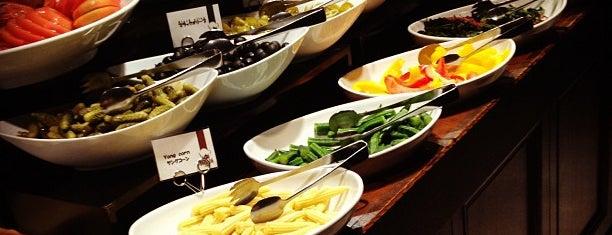 BARBACOA CLASSICO 丸の内店 is one of Tokyo: eat & drink.