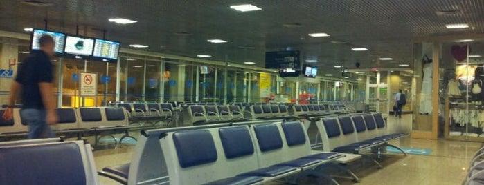 Embarque Portões 1 a 22 is one of Aeroportos.