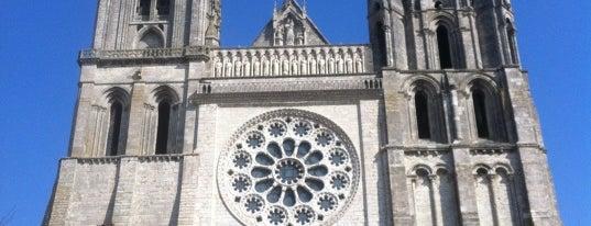 Catedral de la Asunción de Nuestra Señora is one of Bucket List Places.