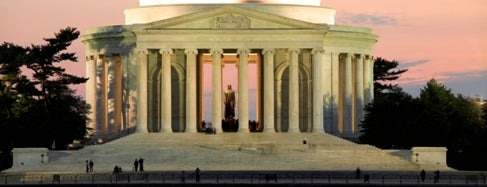 Thomas Jefferson Memorial is one of Bucket List Places.