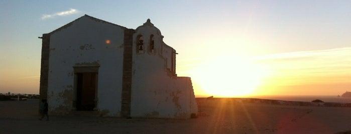 Fortaleza de Sagres is one of Guía del Algarve.