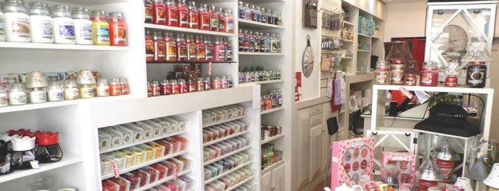 RedCotton - Vintage Decor and Scents is one of HO46 Tainadas.