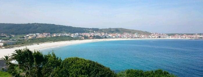 Praia de Laxe is one of De mucho us.