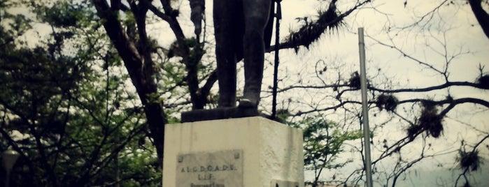 Plaza Miranda is one of Plazas, Parques, Zoologicos Y Algo Mas.
