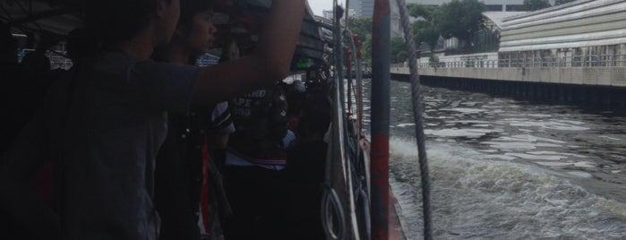 Passenger Boat Khlong Saen Saep is one of В дорогу 3.
