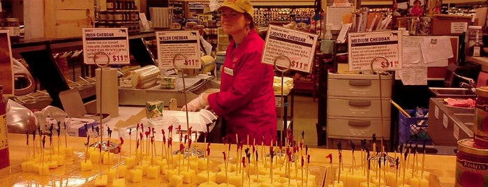 Murray's Cheese Counter is one of NYC Trip To-Do.
