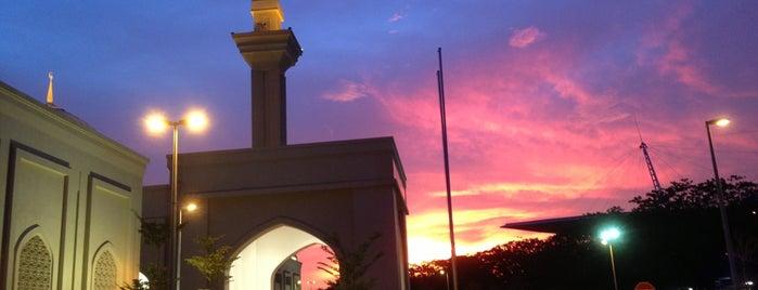 Masjid Diraja Tengku Ampuan Jemaah is one of masjid.