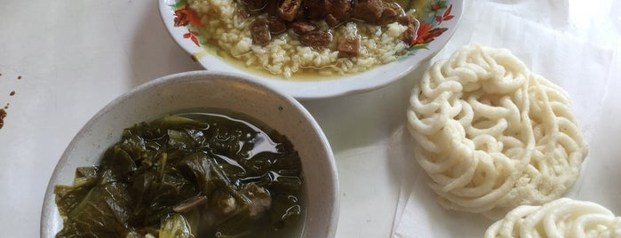 Lotek Mahmud is one of Food Spots @Bandung.