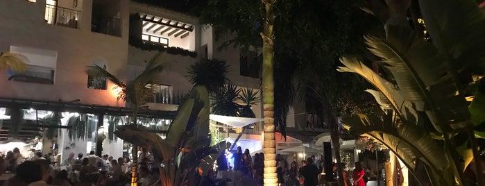Hotel Puente Romano UNI is one of Restaurantes Malaga.