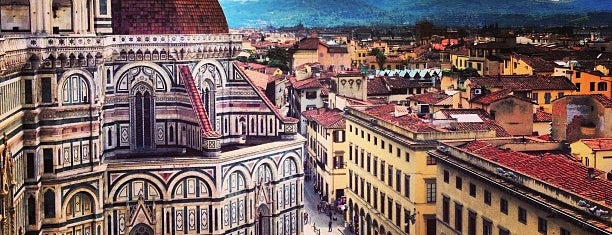 Piazza del Duomo is one of Florence.
