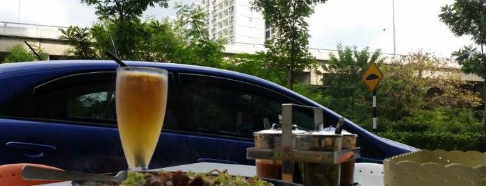 Lepak Point Café is one of jalan2 cari makan seksyen 13 shah alam.