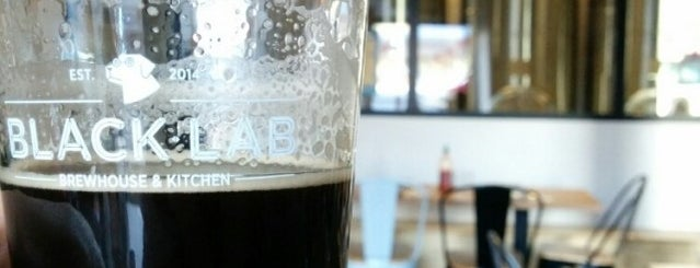 Black Lab Brewhouse & Kitchen is one of Cerveseries amb artesanals de tirador.