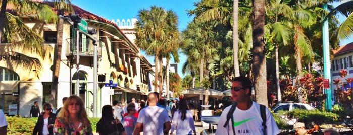Lincoln Road Mall is one of Miami - South Beach.