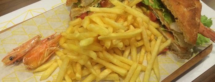 Bubada Club Sandwich and Burger is one of istanbulda arka sokak lezzetleri.