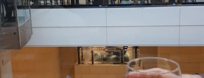 KaDeWe Gourmet Bouillabaisse is one of Berlin - Drinks.