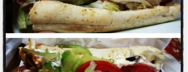 Subway is one of Meus Lugares.