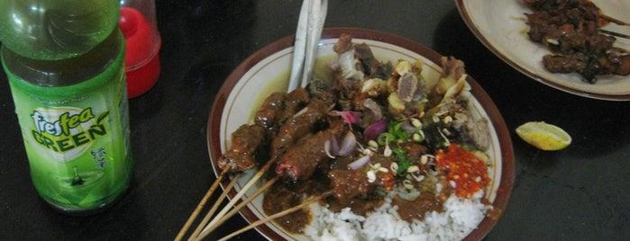 Sate Kambing Kweden / Keden (Pak Di) Kediri is one of Kuliner di Kediri.