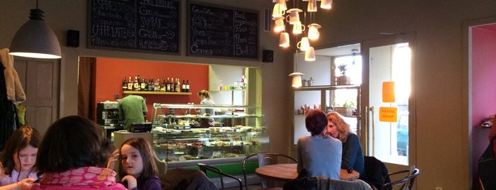 Avion Street Café is one of Coffee & work places.