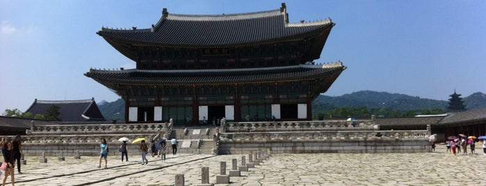 Gyeongbokgung is one of Seoul: Walking Tourist Hitlist.