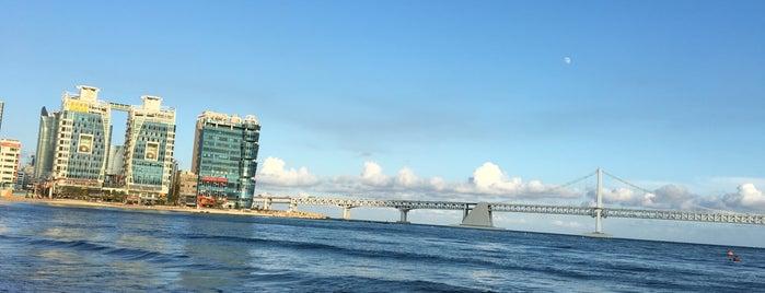 Gwangalli Beach is one of Пусан.