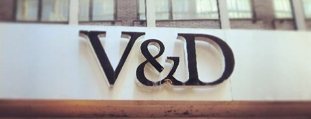 V&D is one of Must Visit in Amsterdam.