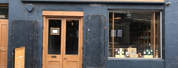 TT Liquor is one of London Bars.