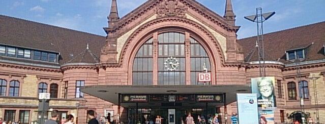 Osnabrück Hauptbahnhof is one of Bahnhöfe Deutschland.